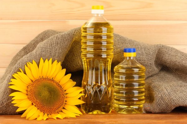 Producing of sunflower oil in Ukraine is increased by 46% during December 2016