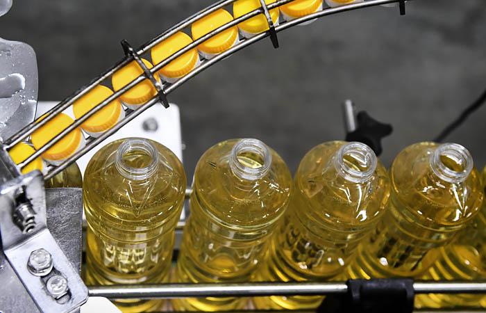 Растительного масла в Украине произвели на треть меньше